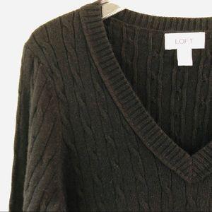 Ann Taylor LOFT Cable knit V Neck Sweater Size L